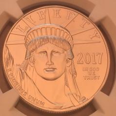 """Платиновая монета 100 долларов """"Юбилейный Американский Орел"""", 2017 г., 31.1 гр. Pt999, В СЛАБЕ NGC MS69"""